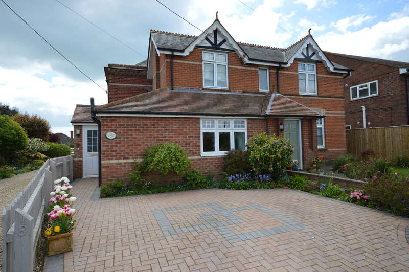 3 Bedrooms Ground Flat for sale in Southern Lane, Barton on Sea