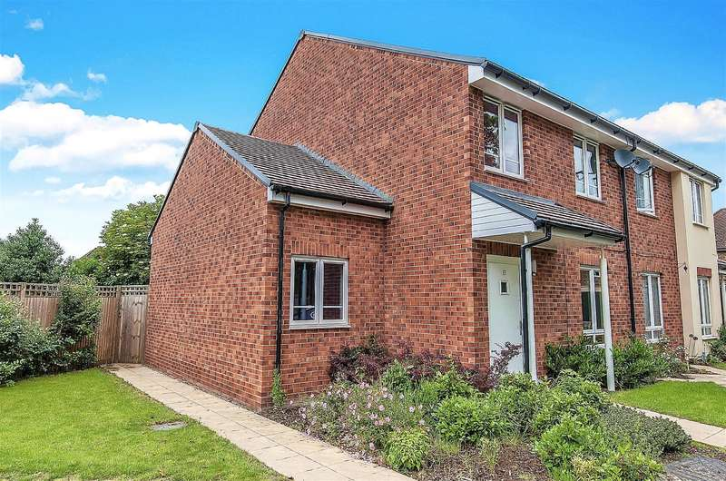 4 Bedrooms Semi Detached House for sale in Glenister Gardens, Hayes, UB3 3FA