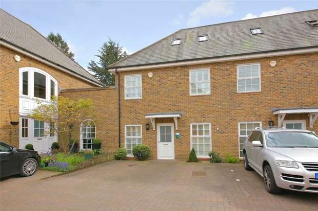 4 Bedrooms Town House for sale in The Stables, Broadfield Way, Aldenham, Hertfordshire