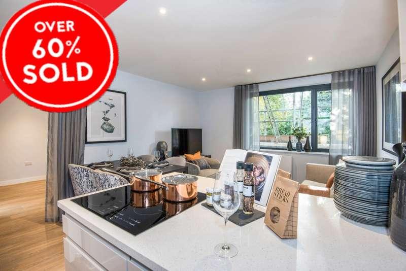 2 Bedrooms Flat for sale in Brookfield Road, Wooburn Green, HP10