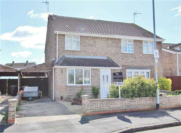 4 Bedrooms Semi Detached House for sale in Fourth Avenue, Grantham