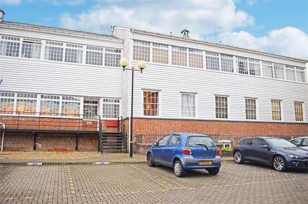 1 Bedroom Flat for sale in Silks Way, Braintree, Essex