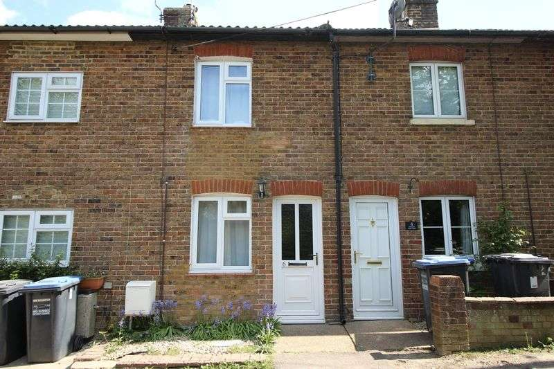 2 Bedrooms Terraced House for sale in Freeks Lane, Burgess Hill
