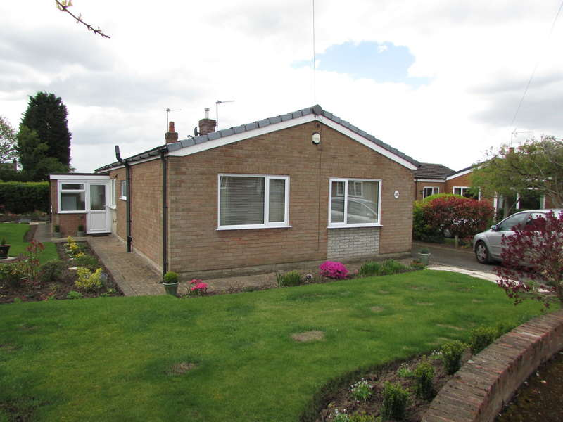 3 Bedrooms Detached Bungalow for sale in Fountain Lane, Davenham
