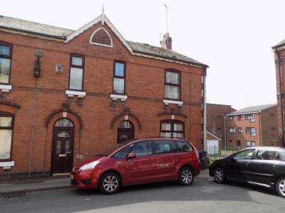 3 Bedrooms Semi Detached House for sale in Thorpe Road, Walsall, West Midlands