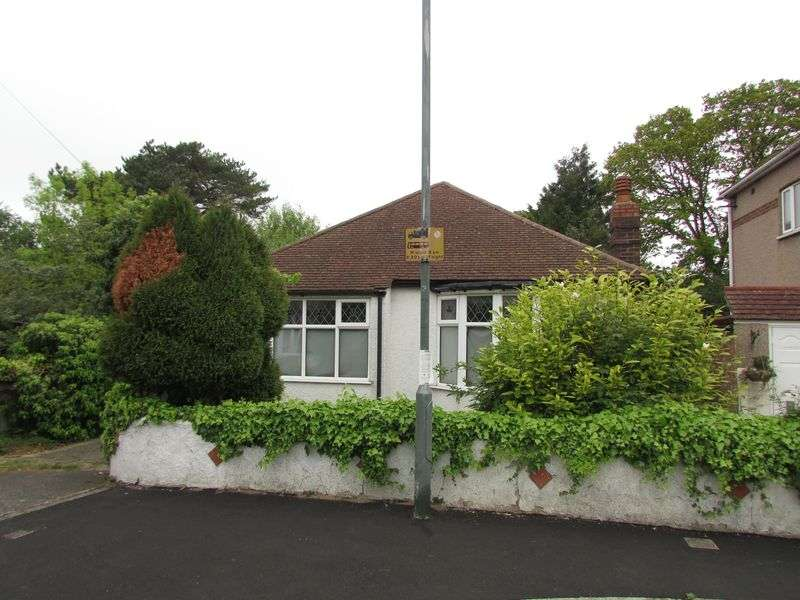 3 Bedrooms Detached Bungalow for sale in Friars Walk, Upper Abbey Wood, London