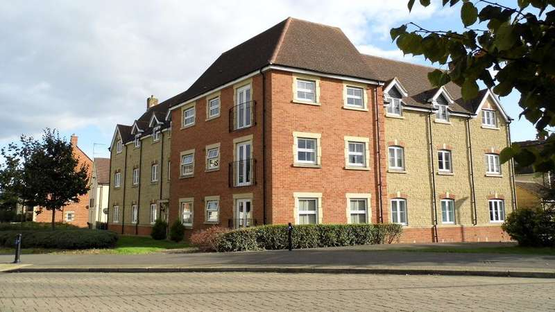 2 Bedrooms Apartment Flat for sale in Aquarius Court, Oakhurst, Swindon, Wiltshire, SN25 2LN