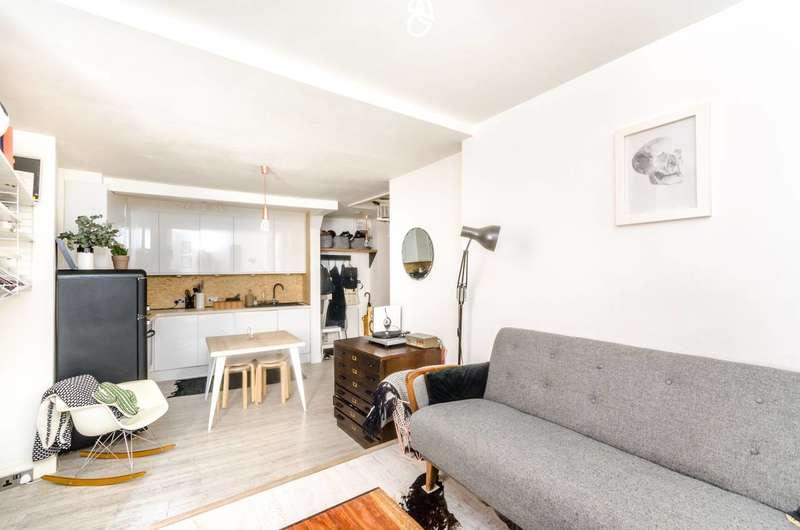 2 Bedrooms Flat for sale in Peckham High Street, Peckham, SE15