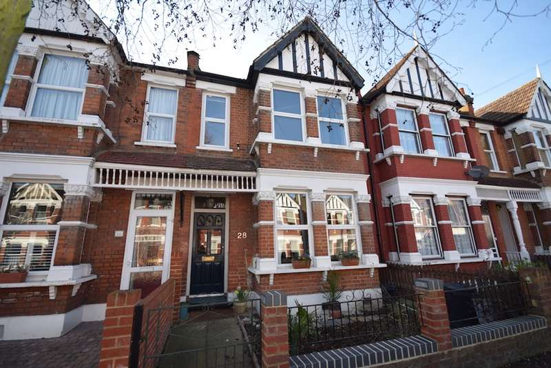 3 Bedrooms Terraced House for sale in Wynndale Road, London, London, E18