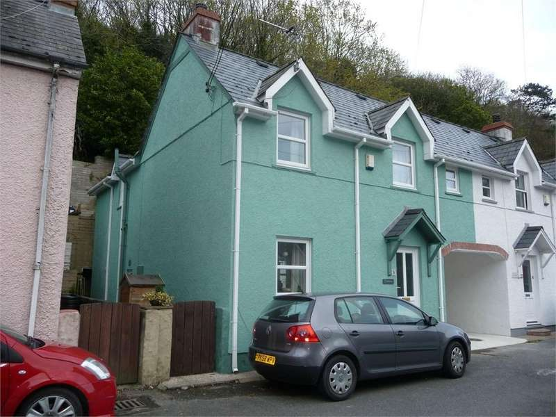 3 Bedrooms Semi Detached House for sale in Cilglynen, 9 Glyn-Y-Mel Road, Lower Town, Fishguard, Pembrokeshire