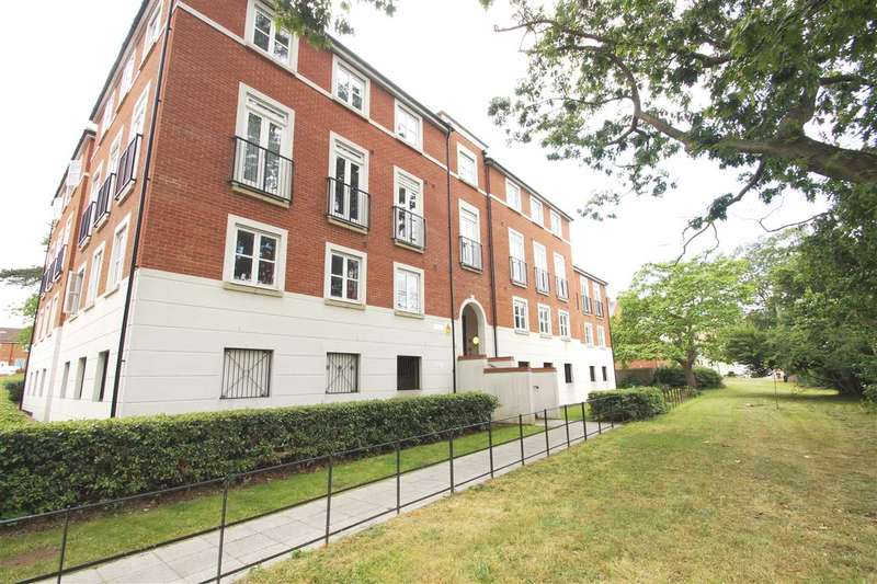 2 Bedrooms Apartment Flat for sale in Eudo House, Circular Road South, Colchester