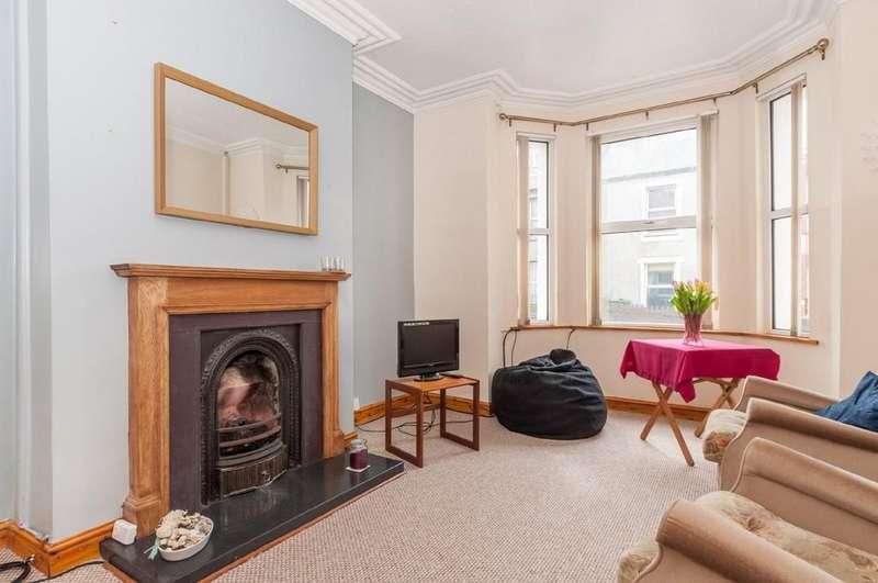 2 Bedrooms Terraced House for sale in Tithebarn Street, Caernarfon, North Wales