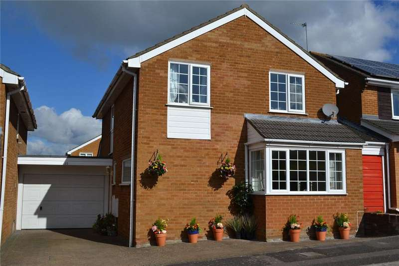 4 Bedrooms House for sale in Hurst Park Road, Twyford, Berkshire, RG10