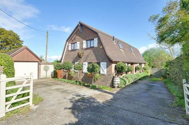 3 Bedrooms Detached House for sale in Dixter Lane, Northiam