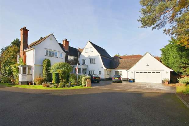 5 Bedrooms Detached House for sale in Waterside, Radlett, Hertfordshire