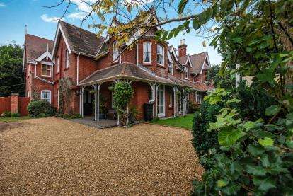 5 Bedrooms House for sale in Totland Bay, Isle Of Wight