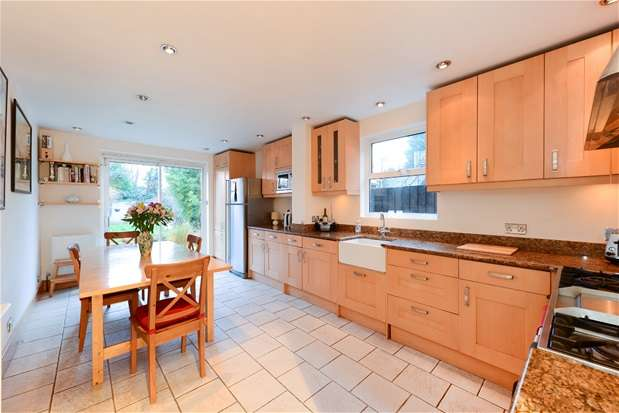6 Bedrooms Semi Detached House for sale in Friern Road, East Dulwich