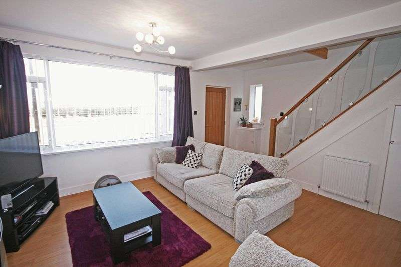 3 Bedrooms Semi Detached House for sale in Blackpool Road, Carleton