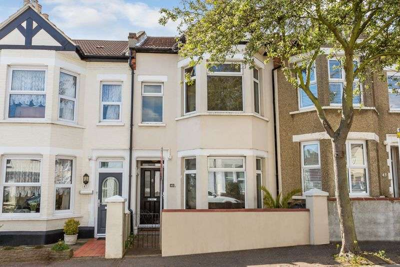 4 Bedrooms Terraced House for sale in Beach Avenue, Leigh-On-Sea