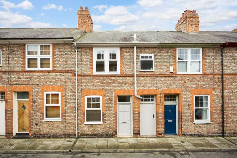 2 Bedrooms Terraced House for sale in Levisham Street, York, YO10