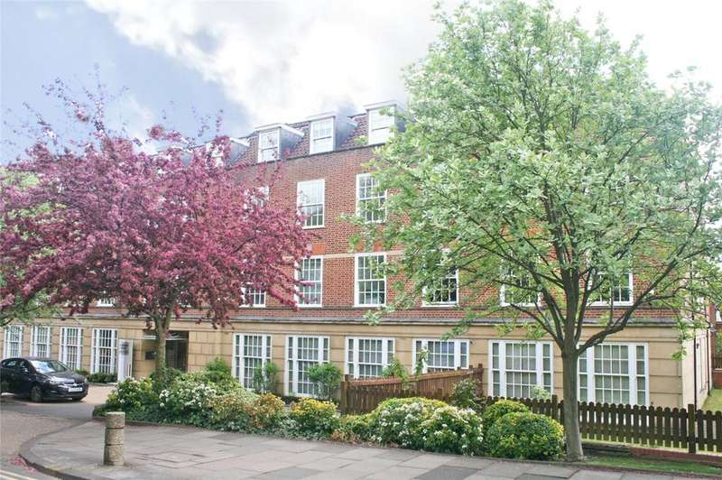 2 Bedrooms Flat for sale in Rosanne House, Bridge Road, Welwyn Garden City, Hertfordshire