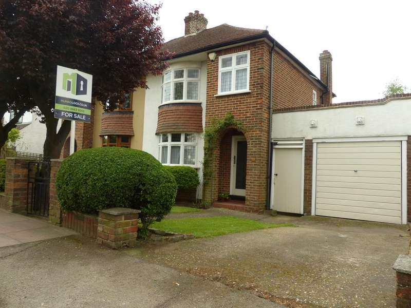 3 Bedrooms Semi Detached House for sale in Hayes Lane, Hayes, BR2