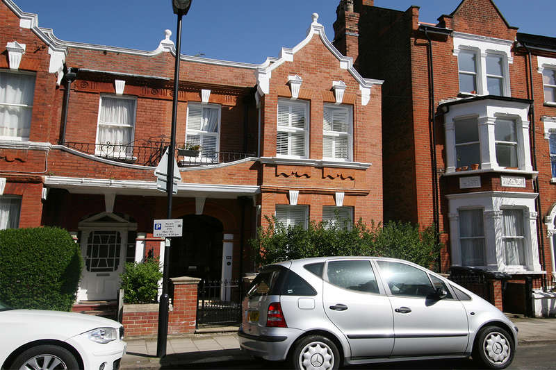 4 Bedrooms Semi Detached House for sale in Sudbourne Road, , SW2