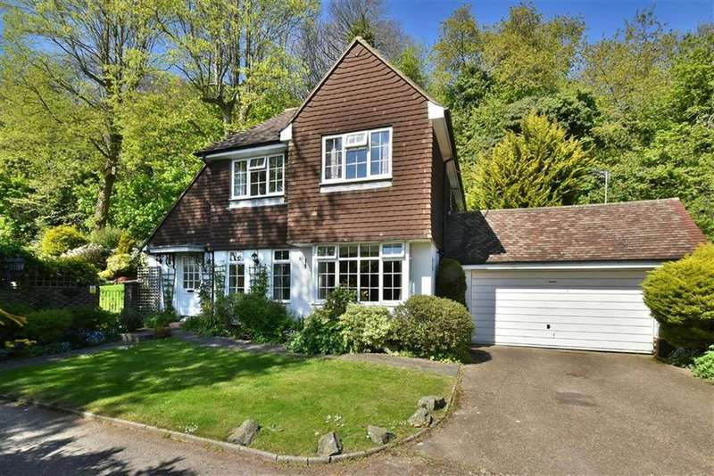4 Bedrooms Detached House for sale in Ballards Farm Road, Croydon, Surrey