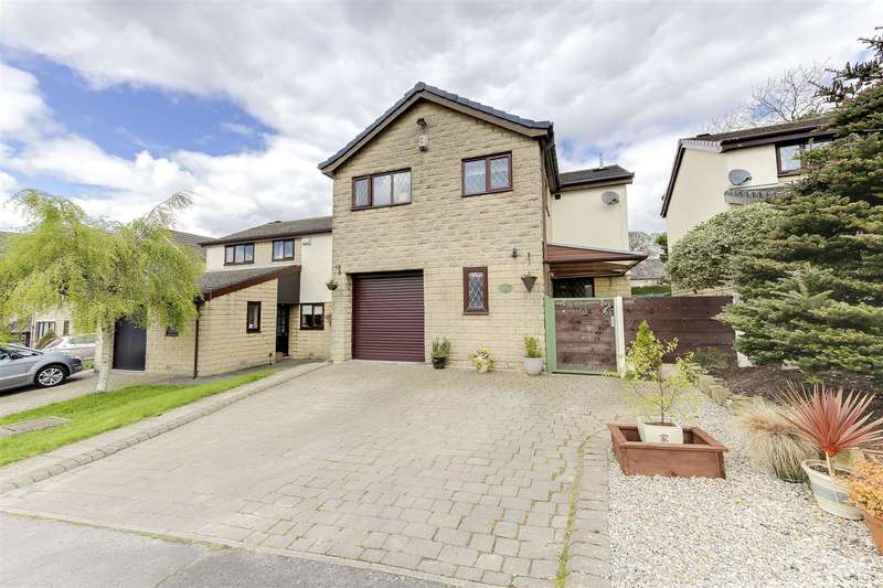 4 Bedrooms Property for sale in Slaidburn Avenue, Constable Lee, Rossendale