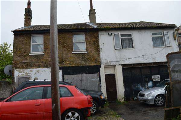 3 Bedrooms Detached House for sale in Cliftonville Mews, Margate