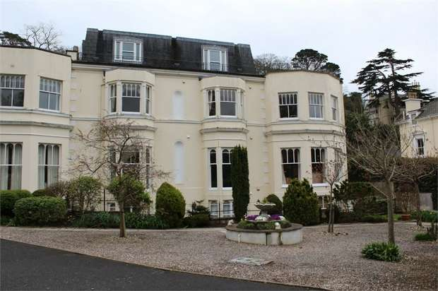 2 Bedrooms Flat for sale in Torwood Gardens Road, Torquay, Devon