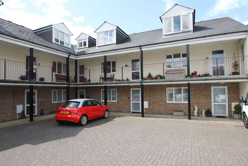 1 Bedroom Ground Flat for sale in Consort Village