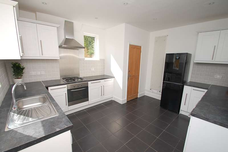 3 Bedrooms House for sale in Lansdown Road, Chalfont St Peter, SL9
