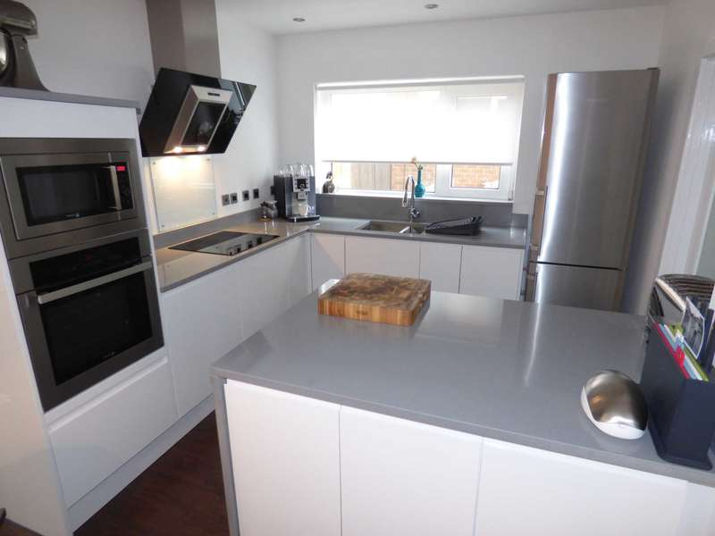 3 Bedrooms Semi Detached House for sale in Chartwell Close, Marske By The Sea