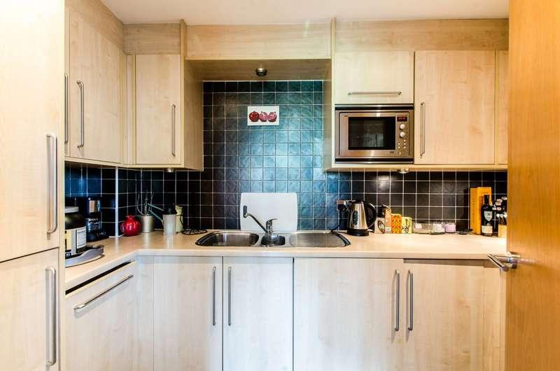 1 Bedroom Flat for sale in Owen Street, Angel, EC1V