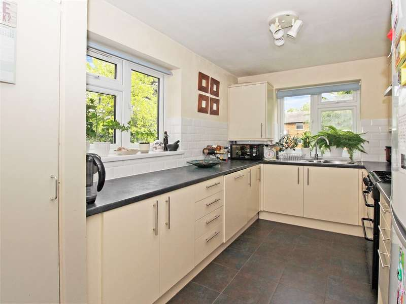 3 Bedrooms Flat for sale in Copers Cope Road, Beckenham, BR3