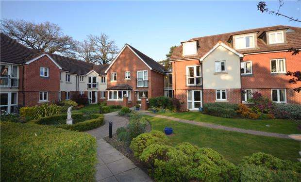 1 Bedroom Retirement Property for sale in Wellington Lodge, 2 Firwood Drive, Camberley