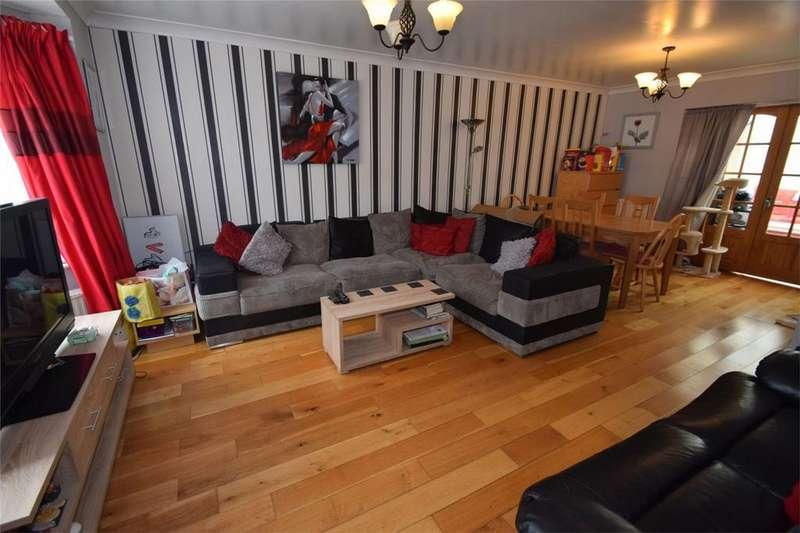 3 Bedrooms Semi Detached House for sale in Benenden Road, Wainscott, Strood, Kent