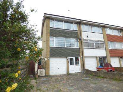 4 Bedrooms End Of Terrace House for sale in Elm Park, Essex