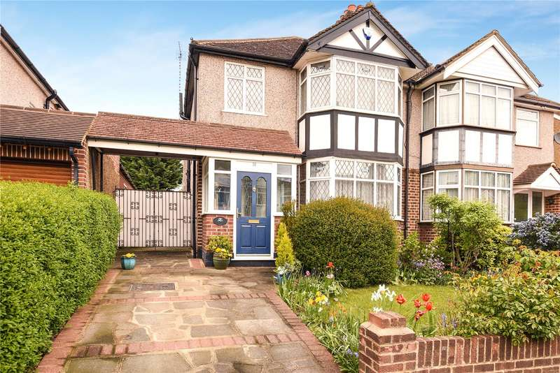 3 Bedrooms Semi Detached House for sale in Southbourne Close, Pinner, Middlesex, HA5