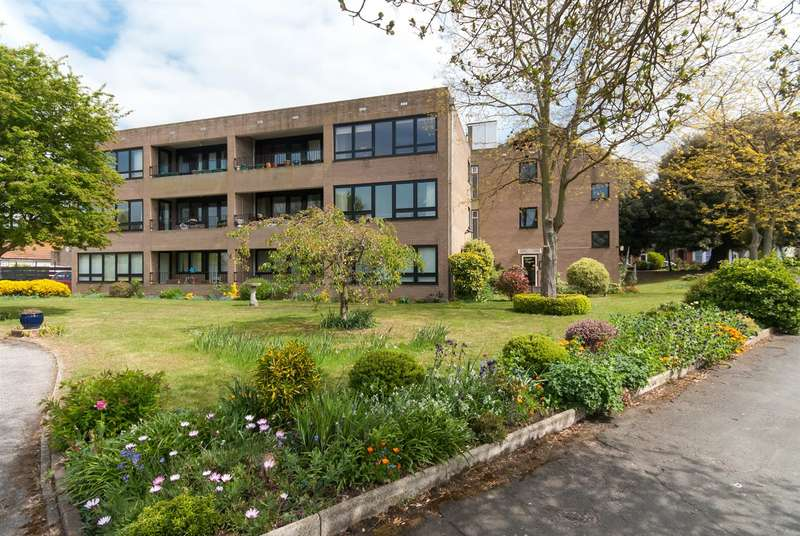 2 Bedrooms Flat for sale in Lyell Road, Birchington