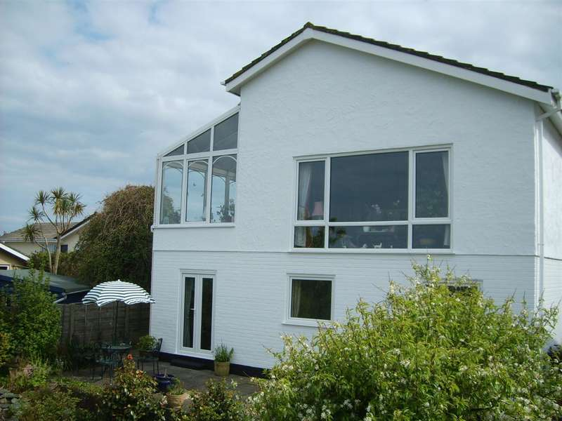 4 Bedrooms Detached House for sale in Glan Y Don Parc, Glas Ynys, Amlwch