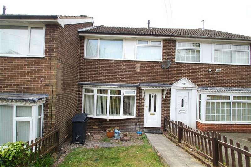 3 Bedrooms Town House for sale in Ramshead Crescent, Leeds