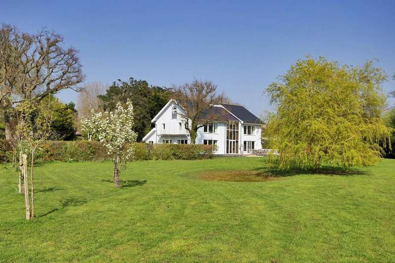7 Bedrooms Detached House for sale in Itchenor Green, Chichester