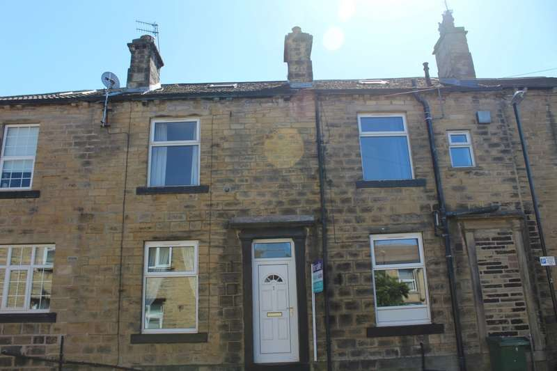 3 Bedrooms Terraced House for sale in Irwin Street, Farsley, LS28