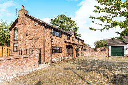 3 Bedrooms Barn Conversion Character Property for sale in Golborne Road, Winwick, Warrington, Cheshire