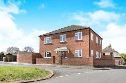 4 Bedrooms Detached House for sale in Chatteris, Cambridgeshire