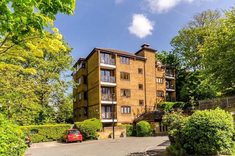 1 Bedroom Flat for sale in Kingswood Drive, Sydenham, SE19