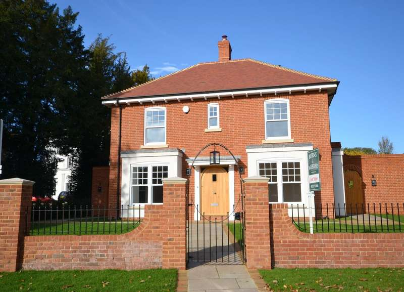 4 Bedrooms Detached House for sale in Upper Froyle