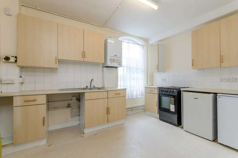 1 Bedroom Flat for sale in Bromley High Street, Bow, E3